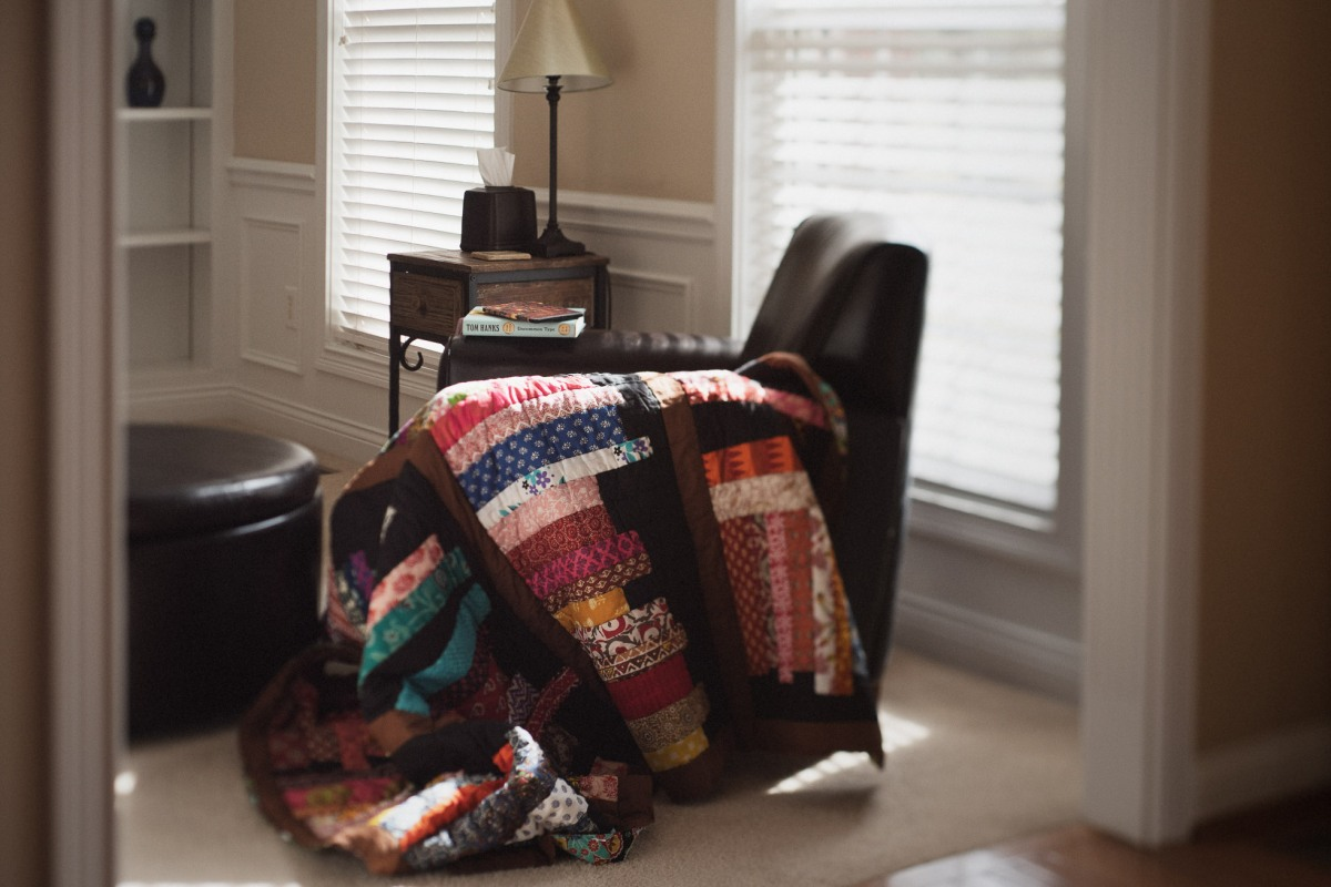 quilt_books_indoor_natural_light_frelensed | Sunday Afternoon_click-Pro_daily_project_by Eileen Critchley
